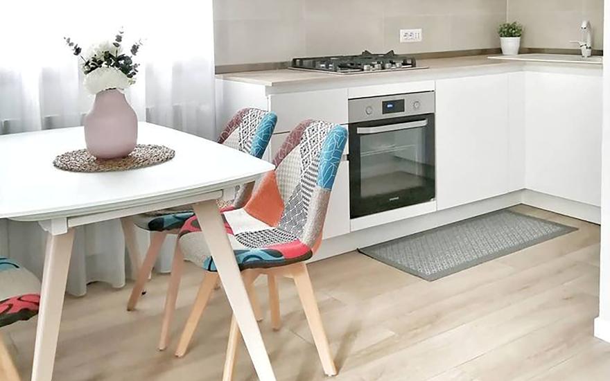 Какие кухонные столы самые практичные: сравниваем популярные виды