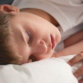 Как уложить ребенка спать: простой эффективный способ