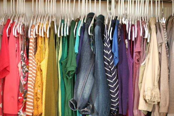 Clothes-grouped-by-color[1].jpg